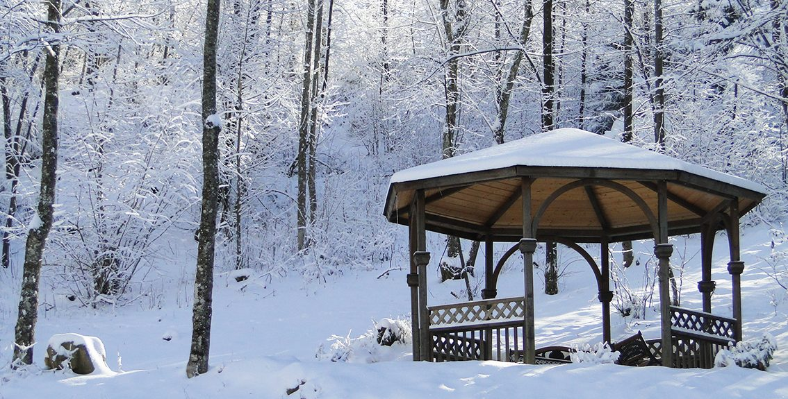 kiosque ambiance hiver neige